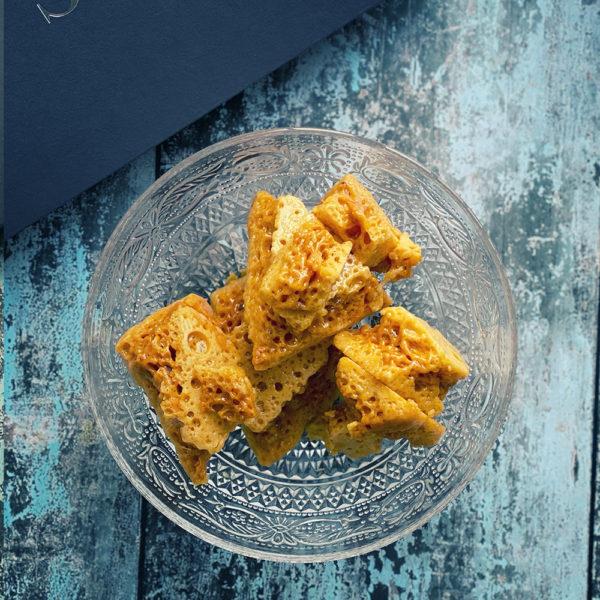 Artisan crunchy honeycomb shards